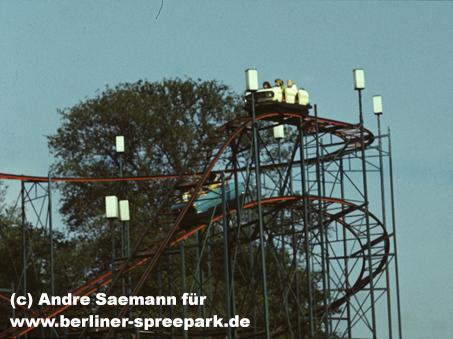 kulturpark-plaenterwald-achterbahn-kurve-vor-abfahrt