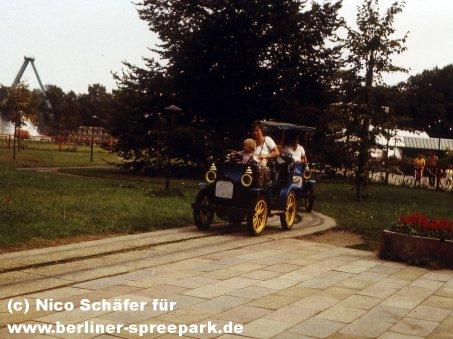 kulturpark-plaenterwald-oldtimer-alt-berlin-riesenrad-abbau