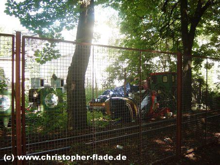 spreepark-lost-place-friedhof-fahrgeschaefte-mirapolis