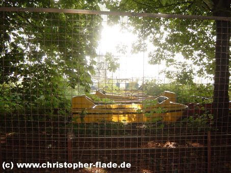 spreepark-lost-place-friedhof-wildwasserbahn