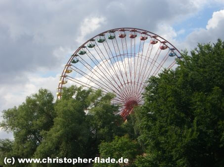 berlin-spreepark-riesenrad-attraktion