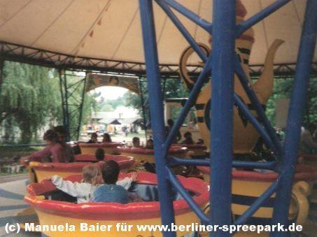 spreepark-berlin-attraktion-riesen-tassen
