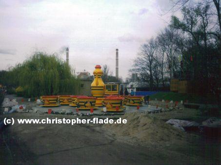spreepark-berlin-aufbau-riesen-tassen