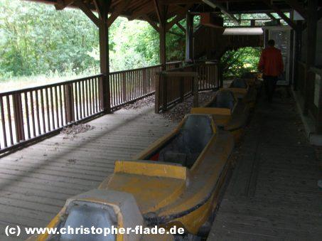 spreepark-berlin-boote-wildwasserbahn