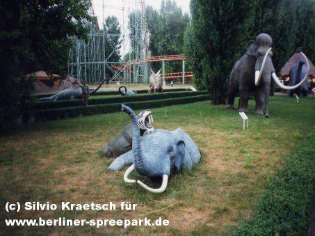 spreepark-berlin-dinowiese-eingang