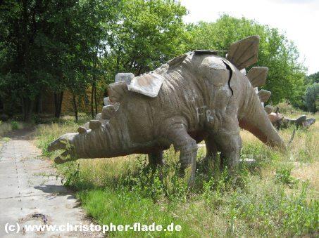 spreepark-berlin-dinoworld-stegosaurus