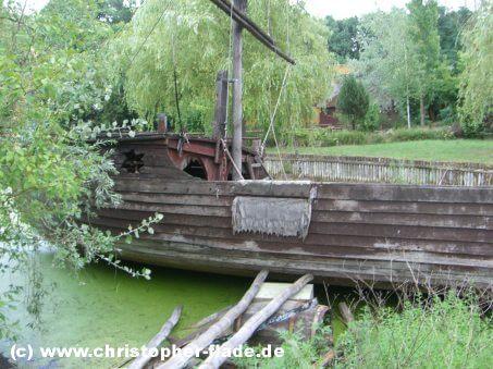 spreepark-berlin-ehemaliges-piratenschiff