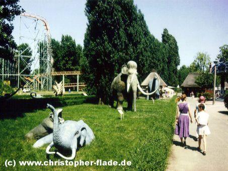 spreepark-berlin-eingang-dinoworld