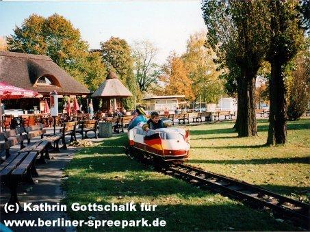 spreepark-berlin-eisenbahn-kinder