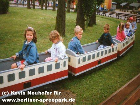 spreepark-berlin-kinder-eisenbahn