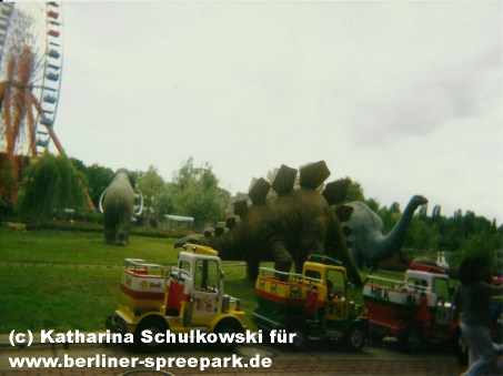 spreepark-berlin-mini-trucks-attraktion
