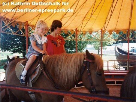 spreepark-berlin-pony-reiten