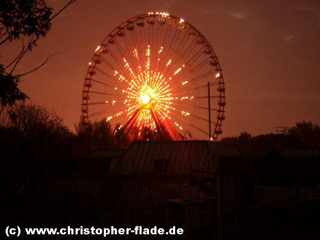 spreepark-berlin-riesenrad-beleuchtet