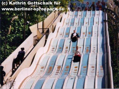 spreepark-berlin-riesenrutsche-wellental