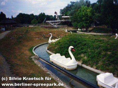 spreepark-berlin-schwanenfahrt