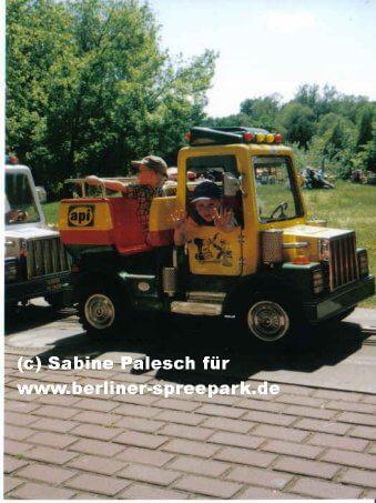 spreepark-minitruck-fahrt-attraktion