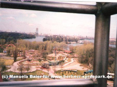 spreepark-riesenrad-blick-auf-berlin