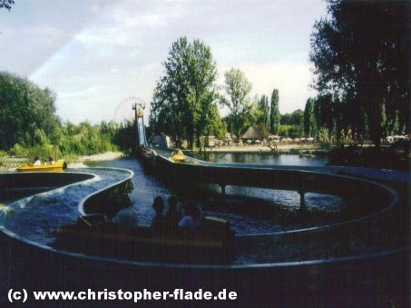 spreepark-wildwasserbahn-berlin-attraktion