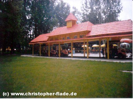 spreepark-plaenterwald-bahnhof-chapeau-claque