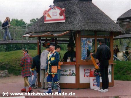 spreepark-plaenterwald-eis-kiosk-langnese
