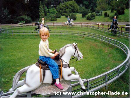 spreepark-plaenterwald-elektronische-pferdereitbahn-kentucky-ride