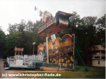spreepark-plaenterwald-fliegender-teppich-fahrt