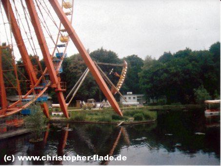 spreepark-plaenterwald-schiffsschaukel-riesenrad