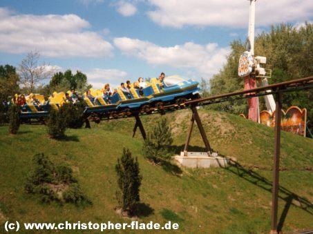 spreepark-plaenterwald-spreeblitz-achterbahn