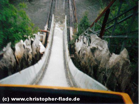 spreepark-plaenterwald-wildwasserbahn-abfahrt