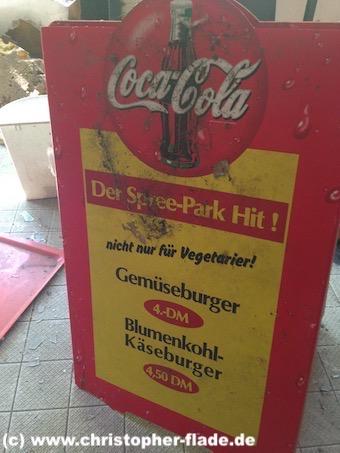 spreepark_lostplace_blumenkohlkaeseburger-gastro