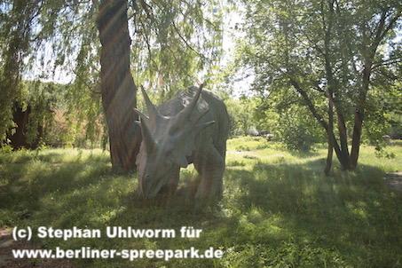 spreepark_lostplace_dino-sonnenstrahlen
