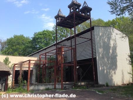 spreepark_lostplace_dinokanalfahrt-burg