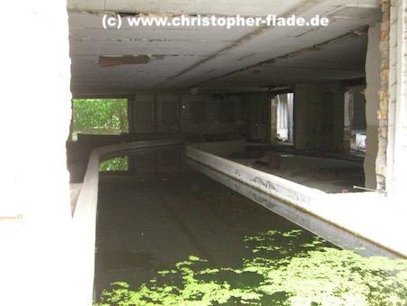 spreepark_lostplace_dinokanalfahrt-kanal
