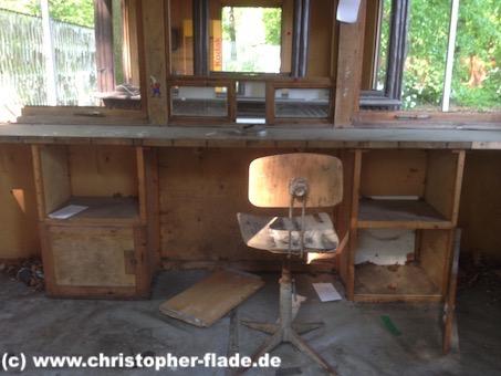 spreepark_lostplace_eingang-kasse-stuhl